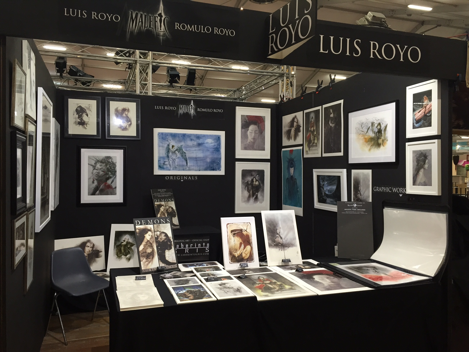 Stand Romulo Royo, Luis Royo,Laberinto Gris - Lucca Games and Comics 2016